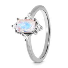 Load image into Gallery viewer, Moonstone Gracious Ring