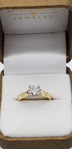 14K Yellow Gold Certified Round (Brilliant) Diamond Engagement Ring