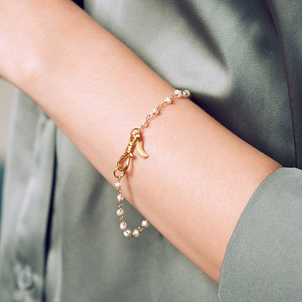 Scatter Light Pearl Chain Bracelet
