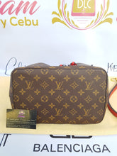 Load image into Gallery viewer, Authentic Louis Vuitton Neo neo monogram cebu