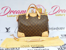 Load image into Gallery viewer, Authentic Louis Vuitton Retiro GM in monogram canvas.