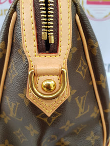 Authentic Louis Vuitton in monogram canvas.