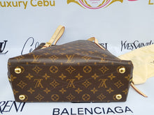 Load image into Gallery viewer, Authentic Louis Vuitton Voltaire sell