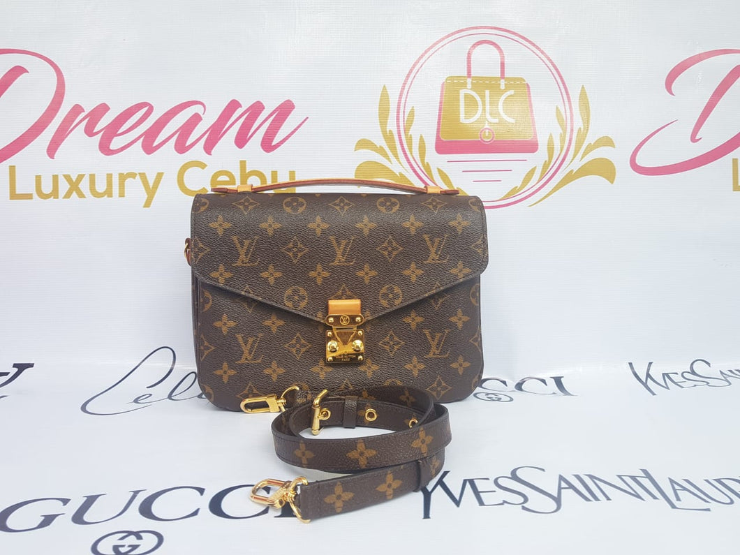 Authentic Louis Vuitton Metis monogram canvas