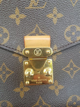 Load image into Gallery viewer, Authentic Louis Vuitton Metis monogram canvas pawn shop