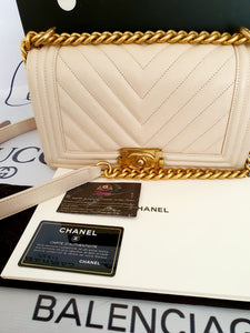 Authentic Chanel Le boy Chevron pawn