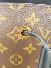 Load image into Gallery viewer, Authentic Louis Vuitton Neo