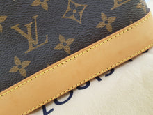 Load image into Gallery viewer, Authentic Louis Vuitton Alma manila