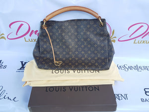 5ca73532d4faf Authentic Louis Vuitton Artsy Gm in Monogram