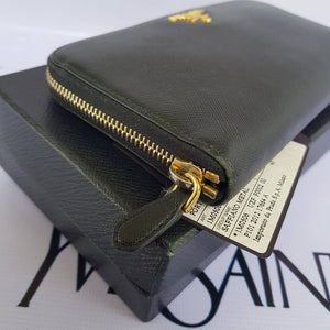 where to buy prada wallet