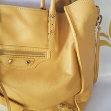 Load image into Gallery viewer, buy and sell balenciaga bags
