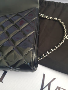 Authentic Chanel jumbo clutch black patent in silver hardware series 17 consignment