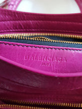 Load image into Gallery viewer, Authentic Balenciaga City giant 21