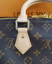 Load image into Gallery viewer, Louis Vuitton Speedy 25 Bandouliere Monogram consignment