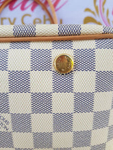 Load image into Gallery viewer, Authentic Louis Vuitton Figheri cebu