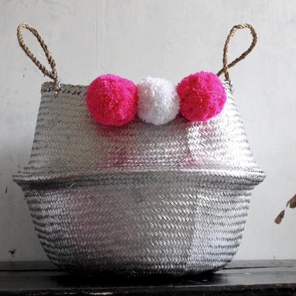 Pom pom seagrass belly basket