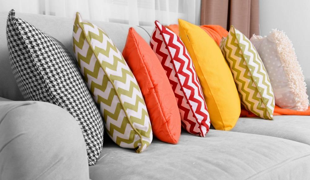 How to Clean and Wash Your Throw Pillows
