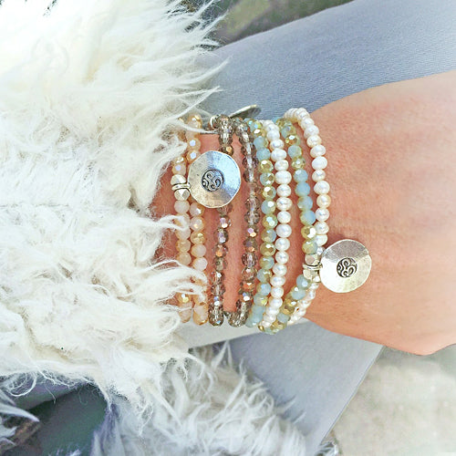 Load image into Gallery viewer, Kristall Armband mit Om - aqua, doppelt Style Heaven