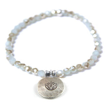 Load image into Gallery viewer, Kristall Armband mit Silber Lotus - grau