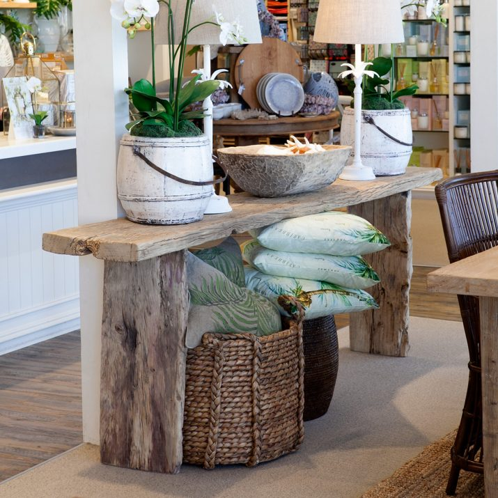 Elm alter table perfect for hallway.