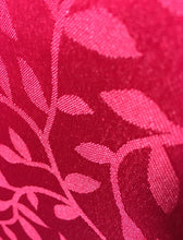 Load image into Gallery viewer, http://images.esellerpro.com/2278/I/188/689/bowden-leaf-pattern-table-runner-red-close-up.JPG