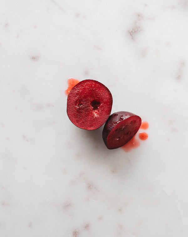 Davidson Plum | Warndu Australian Bush Tucker © Warndu Pty Ltd. Photographs by Luisa Brimble.