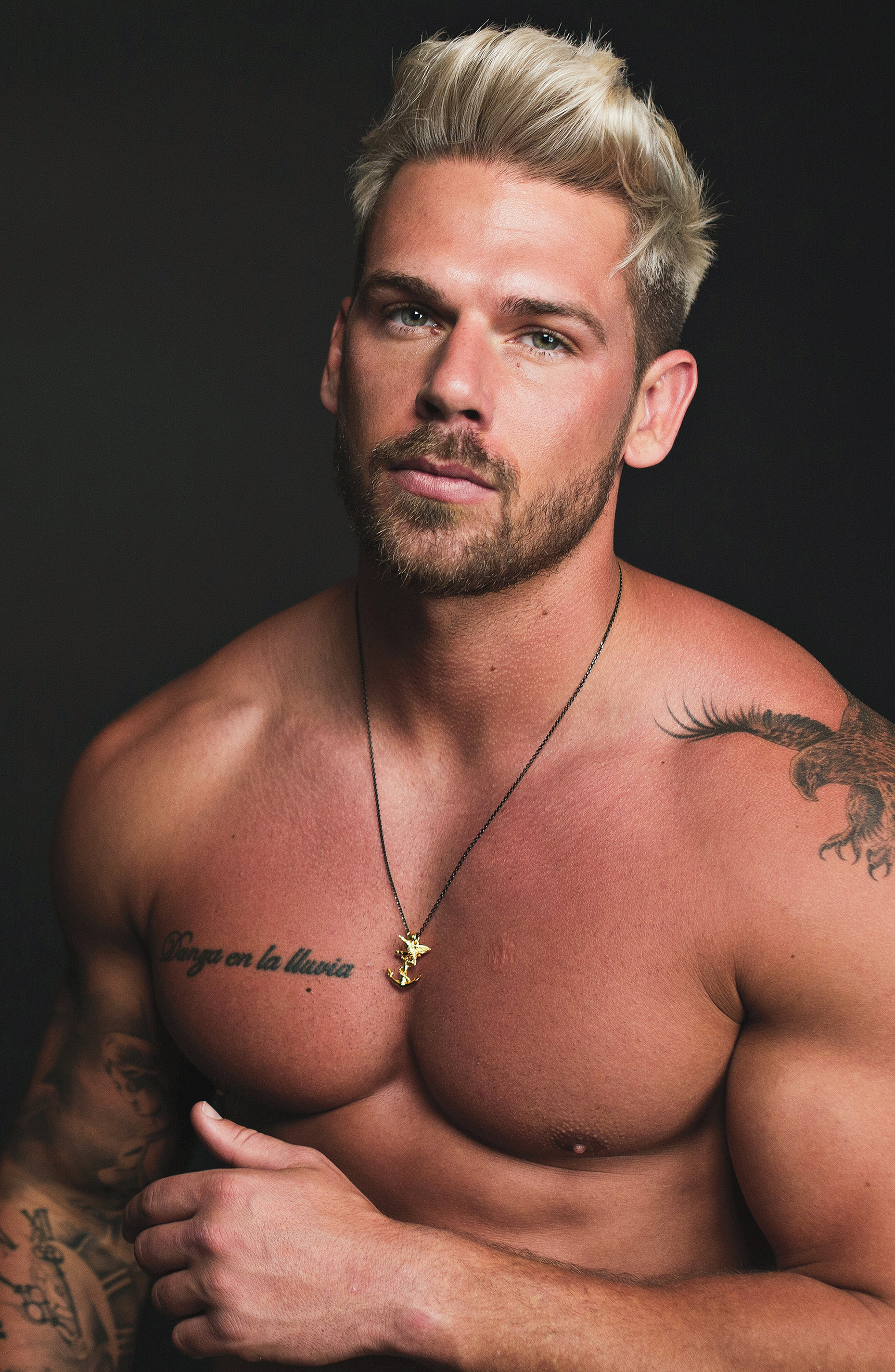 Men's Necklace Model Joss Mooney