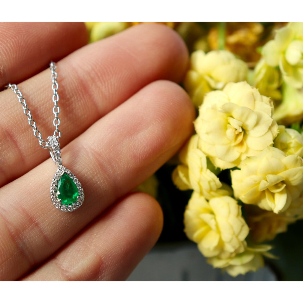 Fana Teardrop Emerald Necklace
