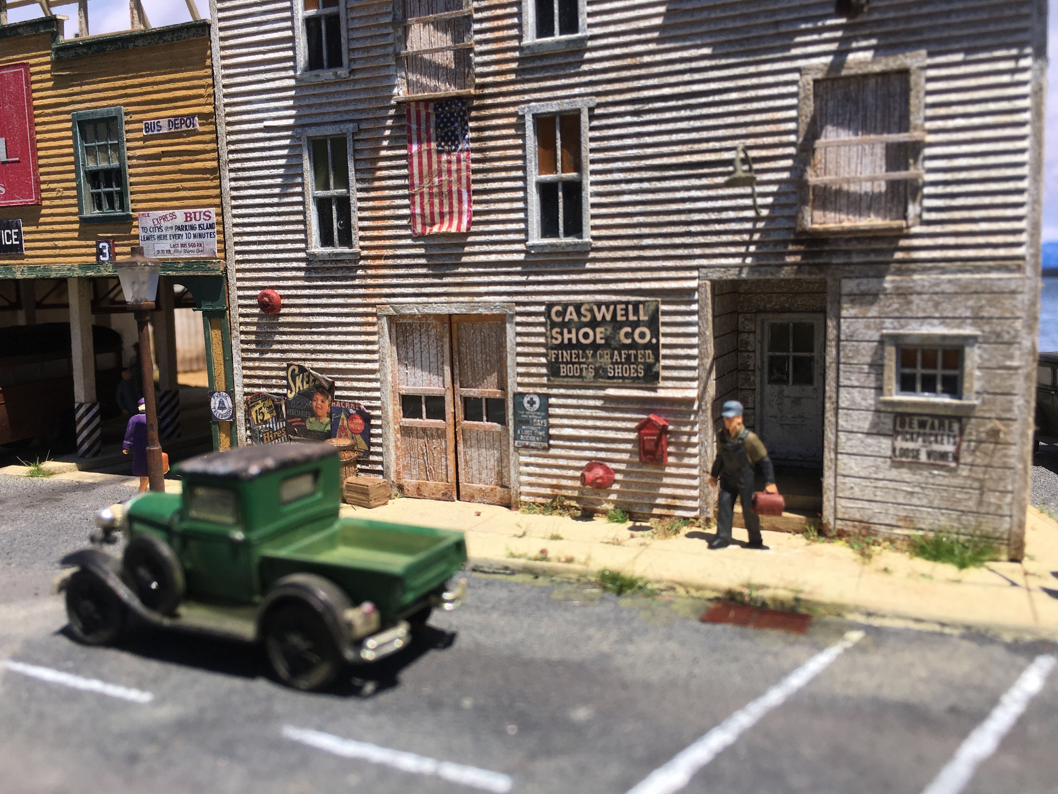 Sidewalk Assortment Set - HO Scale