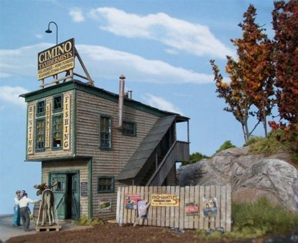 Cimino Taxidermy - HO Scale Kit