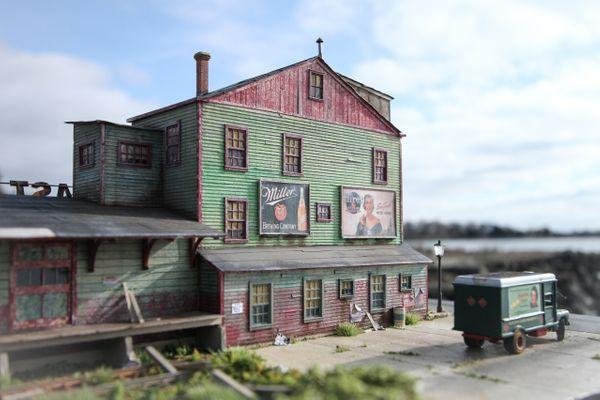 R.E.A. Freight House - HO Scale Kit