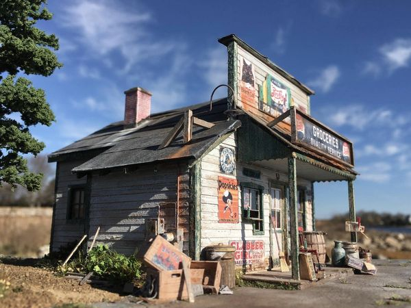 Pop Gunn's Grocery Store- O Scale Kit