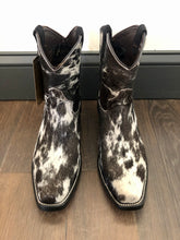 Load image into Gallery viewer, Hair-On Cowhide Short Cowhide Boots: Size 7