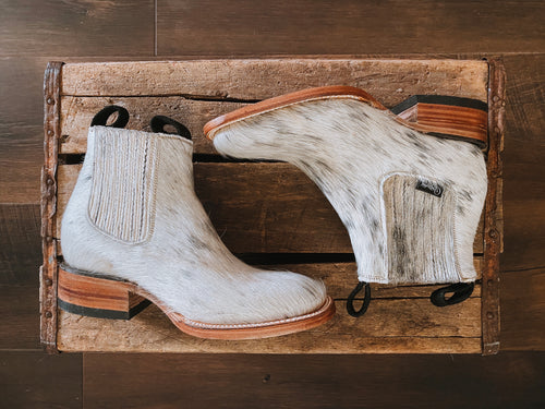 Hair-On Cowhide Boots: Size 6.5 - True to Size Sole