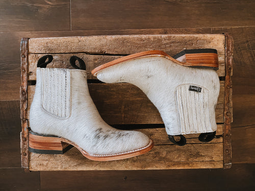 Hair-On Cowhide Boots: Size 6 - True to Size Sole