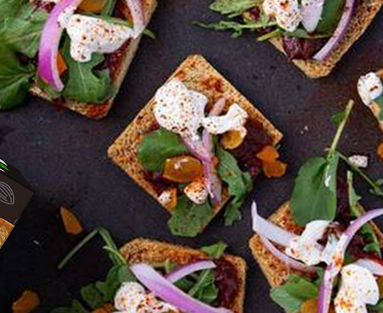 flatbread with arugula and apricot