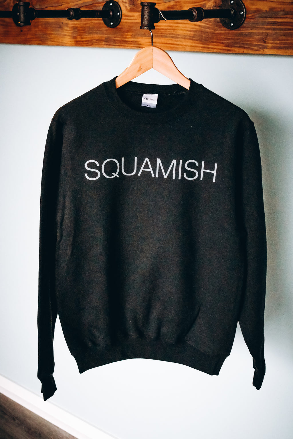 Squamish Crew Neck Sweatshirt - Black