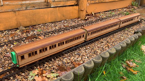 1:32 Scale SR Thanet Coach Multipack