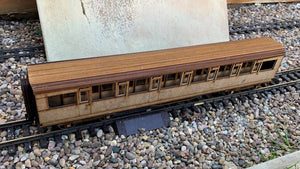 1:32 Scale SR Maunsell Restriction 0 Corridor Composite Coach