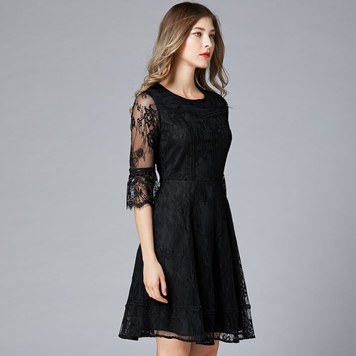 Round neck slim lace dress