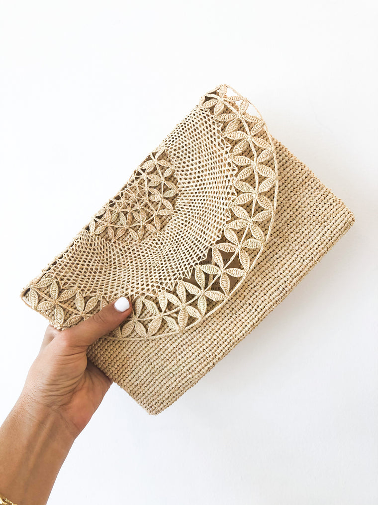 Tanora - Boka raffia clutch natural