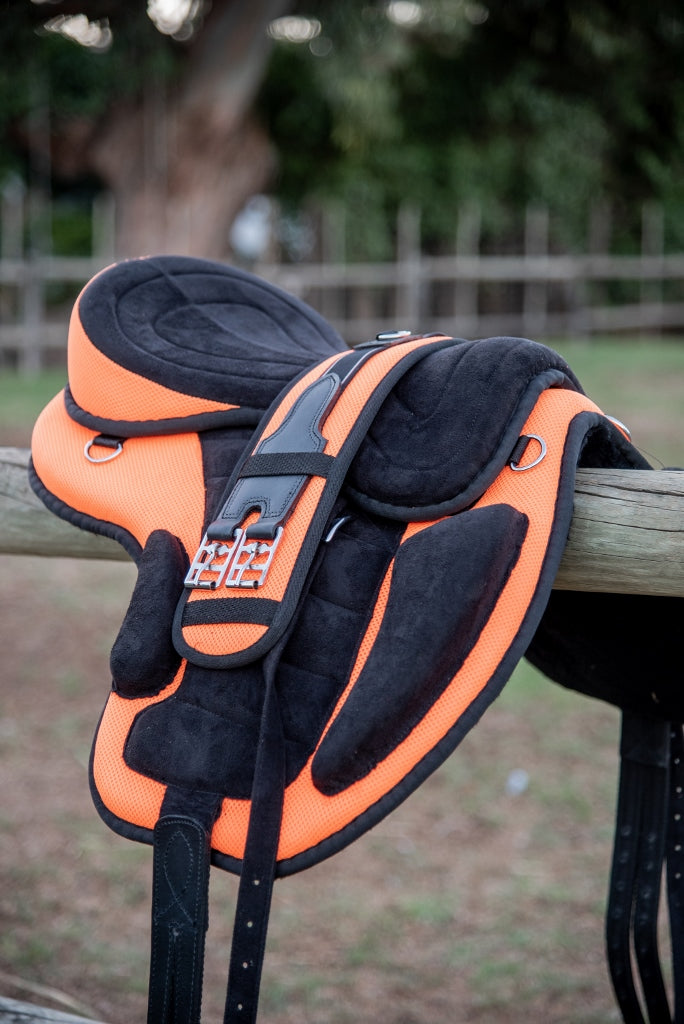 ST-SD/002 Orange Synthetic Treeless Saddle