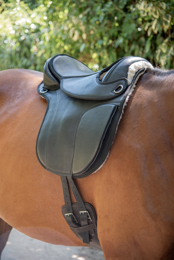 ST-SD/012 Black Leather Endurance Saddle