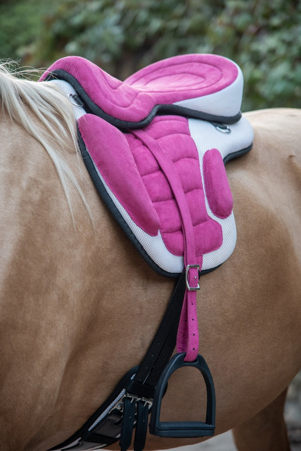 ST-SD/005 Pink & White Synthetic Saddle