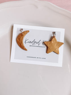 ★ KINDRED KATE Moon & Star Earrings in Gold★