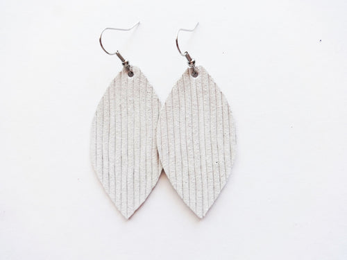 Vanilla Rope Leaf Genuine Leather Earring