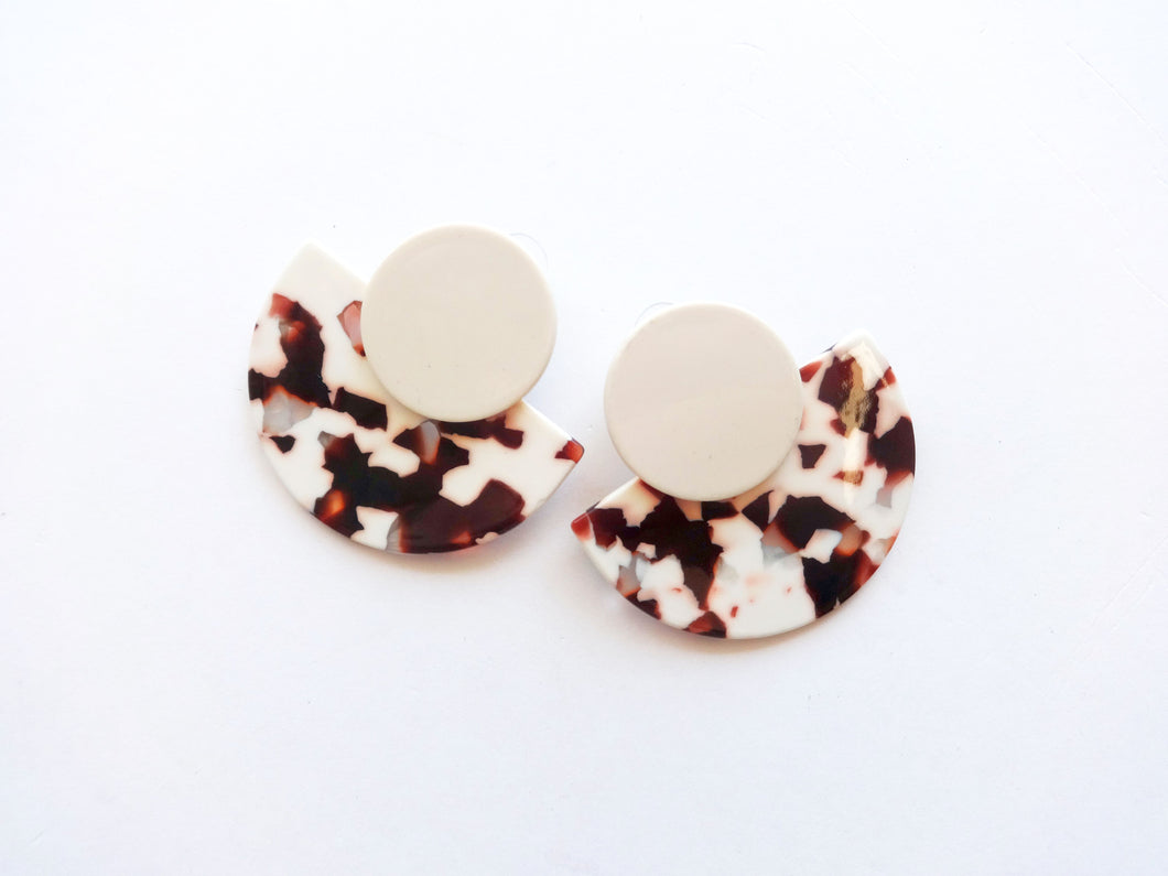 Brown and Cream Speckled Acrylic Saucer Stud Earrings