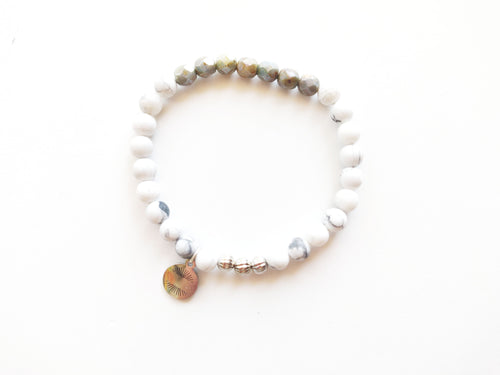 Classics White and Silver Beaded Bracelet