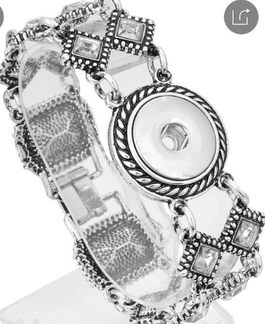 Snap Jewelry Wide Band Bracelet. Comes with a free snap of your choice.