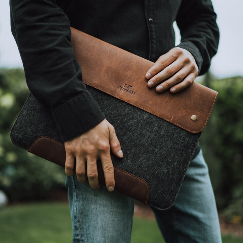 MegaGear Personalized Fine Leather and Fleece Macbook Bag